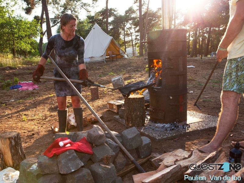 Echte stenen uit een steenoven voor de sauna