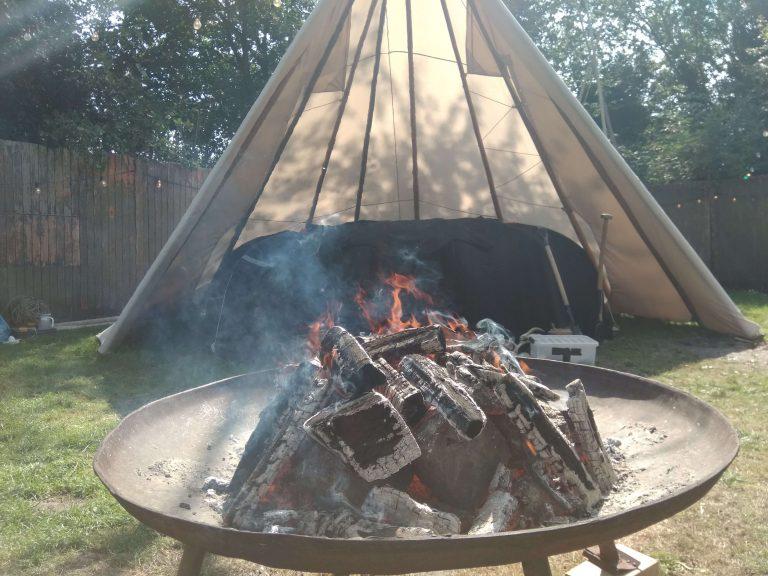 Sweatlodge op camping Buitenland. Zweethut en sauna huren