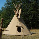 Tipi tent, kleur beige, licht bruin, brandvertragend doek, verhuur en verkoop tipi tenten van wincirkeltenten