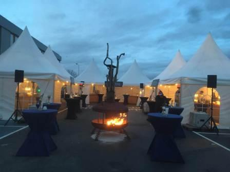 Outdoor openhaard op bedrijfsfeest