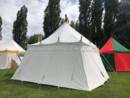 Kasteel tenten verhhur, tenten verkoop, theatervoorstelling, Jeanne d'Arc