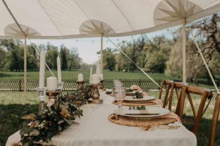 Bruiloft feesttent, grote historische tent huren