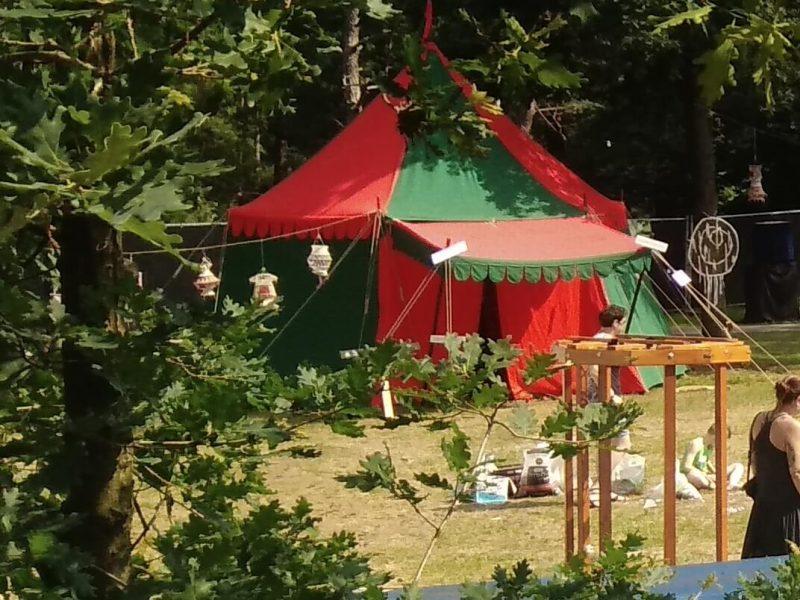 Verhuur middeleeuwse tenten, kasteel tenten, tudor riddertent op mandala festival